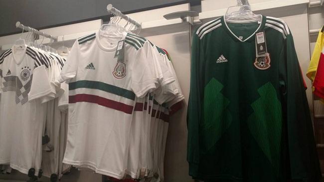 80b7d89175bf2 Se disparan ventas de playeras de Selección Mexicana por Mundial